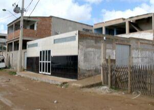 Dois jovens são atingidos durante um baile funk em Cariacica, no ES - A polícia ainda não identificou o homem que atirou dentro da casa de shows.