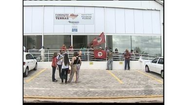Integrantes do MST invadem sede do Itesp em Presidente Prudente - Movimento solicita agilidade ao governo na desapropriação de terras do Pontal do Paranapanema.