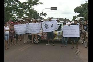 Em Santo Antônio do Tauá moradores denunciam a falta de segurança - Hoje eles fizeram um manifestação para pedir reforço no policiamento.