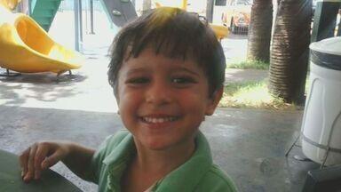 Polícia Civil pede prisão de padrasto e mãe de garoto desaparecido em Ribeirão Preto - A Polícia Civil pediu a prisão temporária da mãe e do padrasto do menino Joaquim Ponte Marques, de 3 anos, desaparecido desde a madrugada de terça-feira (5) em Ribeirão Preto (SP).
