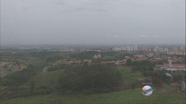Tempo continua chuvoso e frio na região de Campinas nesta quarta-feira - Tempo continua chuvoso e frio na região de Campinas nesta quarta-feira (6).