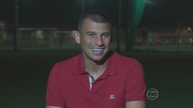 Neto Baiano fala sobre bom momento no Sport - Atacante marcou cinco gols em oito jogos