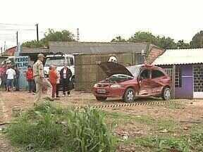 Veja daqui a pouco, no Paraná TV - Carro é atingido por trem em Ponta Grossa. Uma pessoa ficou ferida. Acompanhe também os detalhes do primeiro dia de Fenata. Esperamos você.