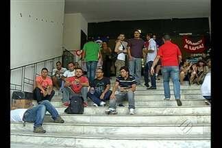 Professores acampados na Alepa decidem manter a greve - Eles vão aguardar o resultado de uma audiência de conciliação com o governo, ainda esta semana, no Tribunal de Justiça do Estado.
