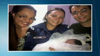 Passa bem a moradora de rua que teve um bebê em uma calçada, em Fortaleza - Marilene Ferreira de Silva entrou em trabalho de parto, uma guarda municipal percebeu e ajudou-a a ter o bebê.