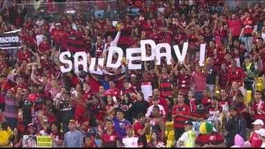 Torcida do Flamengo homenageia filho de Elias e grita nome do menino depois de gol do meia - Jogador comemorou gol dedicando ao pequeno Davi.