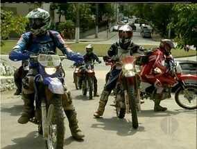 Trezentos motociclistas participam da 1ª Trilha do Barão em Nova Friburgo, Região Serrana - Toda renda arrecadada no evento foi revertida para a Cruz Vermelha da cidade.