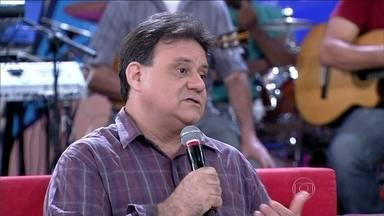 Especialista diz que as pessoas têm dificuldade de falar sobre diversidade sexual - 'Ninguém pega uma homosexualidade, não é gripe', diz Marcos Ribeiro