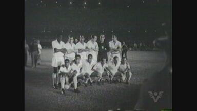 Craques do passado do Santos participam de evento que comemora o Bi Mundial de Clubes - Eles contam histórias dos três jogos contra o Milan, durante festa para sócios e não sócios do Peixe