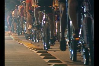 Ciclistas enfrentam dificuldades para trafegar nas ruas de Belém - Ciclistas enfrentam dificuldades para trafegar nas ruas de Belém.