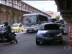 Avenida Rodrigues Alves será interditada nesta quinta-feira (14) - O trânsito no início da noite desta quinta (14) é moderado na Zona Portuária. A medida faz parte do projeto que vai derrubar a Perimetral.