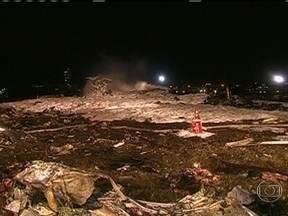 Acidente com avião mata 50 pessoas na Rússia - O avião explodiu ao tocar a pista do Aeroporto de Kazan, uma cidade a 700 quilômetros de Moscou. Ninguém sobreviveu. Testemunhas disseram que o piloto tentou aterrissar três vezes.