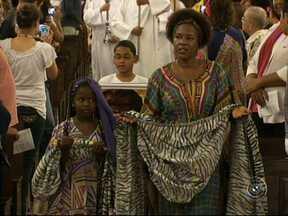 Dia da Consciência Negra é comemorado em várias cidades da região - O Dia da Consciência Negra, comemorado nesta quarta-feira (20), tem atividades em toda a região. Em Jundiaí (SP), as homenagens começaram com uma missa afro.