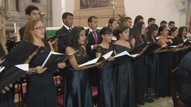 Coral da Ufam faz estreia em igrejas com apresentação na Catedral Metropolitana de Manaus - Coral da universidade já existe há 40 anos.