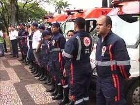 Ambulâncias do Samu Noroeste começam a rodar daqui a pouco, ao meio-dia. - Este é um dos destaques do Paraná TV de daqui a pouquinho.