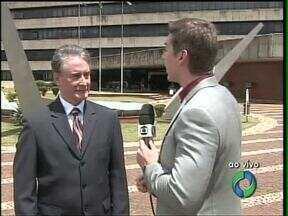 Prefeito de Cascavel fala do embargo que o mantém no cargo pelo menos até semana que vem - Edgar Bueno dia que vai recorrer de qualquer decisão que o tire da administração de Cascavel.