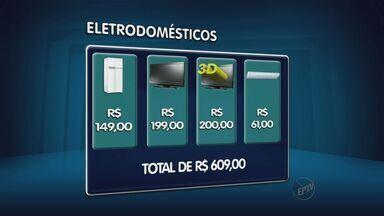 Economia na compra de eletrodomésticos pode chegar a R$ 400 em Campinas - Com a pesquisa de preços nas lojas do Centro da cidade, a diferença do preço de televisores e geladeiras pode chegar a R$ 400. Para economizar, especialistas orientam a pesquisa em diversas lojas.