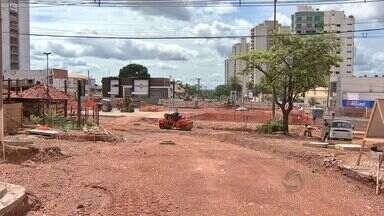 Mais de 40% dos moradores devem ficar sem água em Cuiabá - Uma obra deve deixar mais de 40% dos moradores sem água em Cuiabá, pelo menos até segunda-feira.