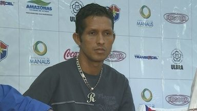 Fast apresentou novo jogador nesta quinta-feira (21) - Rosembrick, o novo jogador do Fast, foi apresentado pelos dirigentes do clube na tarde desta quinta-feira (21), em Manaus.