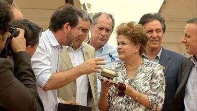 Dilma visita o Ceará para liberar recursos do Programa de Aceleração do Crescimento - Agentes de saúde fizeram protesto.
