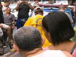 Senhor de 90 anos morre ao tropeçar e bater com a cabeça em Copacabana - O acidente aconteceu na rua Figueiredo Magalhães. Segundo testemunhas, Juvenal dos Santos Leite atravessou a pista fora da faixa de pedestres e tropeçou nos tachões, que delimitam a ciclovia.