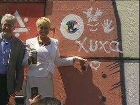 Xuxa é madrinha de campanha contra a exploração sexuais de crianças - Lançamento da campanha foi em Foz do Iguaçu.