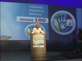 Xuxa lança campanha de combate a exploração sexual de crianças - Apresentadora participou de cerimônia em Foz do Iguaçu