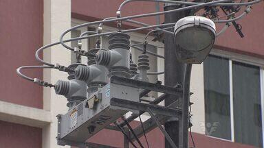 Responsabilidade pela iluminação de Santos será da prefeitura em 2014 - Empresa responsável pelo fornecimento de energia não fará mais o serviço de manutenção.