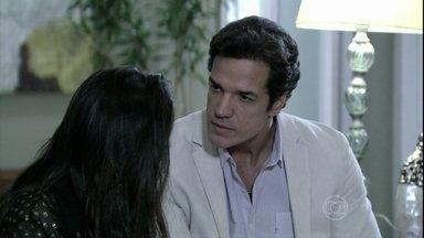 Ignácio dá ultimato a Valdirene - O milionário diz que Valdirene precisa decidir se quer mesmo ficar com ele