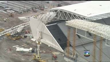 Obras na Arena Corinthians serão retomadas nesta segunda-feira (2) - A construção estava parada desde a quarta-feira (27), quando um guindaste destruiu parte da cobertura do estádio. Os operários voltam a trabalhar nas áreas que não foram afetadas pelo acidente.