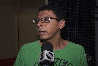 Assessor de Comunicação do HU de Sergipe fala sobre saúde de Gilmar Carvalho - Gilmar Cravalho apresentava convulsão e dificuldade respiratória.