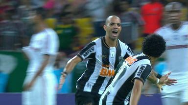 Galo empata com Fluminense e complica situação do tricolor carioca - Fluminense tem que vencer e contar com tropeço dos concorrentes