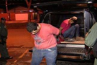 Polícia prende dupla de criminosos reincidentes em Goiânia - Segundo a Polícia Militar, os rapazes tinham saído há três dias do Centro de Prisão Provisória (CPP) e já haviam cometido vários crimes.