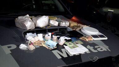 Suspeitos são presos com droga em carro e em apartamento, no ES - Droga apreendida seria distribuída em bairros nobres, diz polícia. Flagrante aconteceu no bairro Alecrim, em Vila Velha.