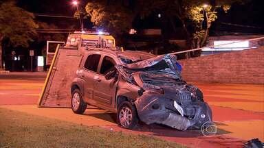 Adolescente é apreendido suspeito de assaltar casal no bairro Mangabeiras, em BH - A polícia chegou até o suspeito depois que ele e o comparsa bateram o carro roubado.