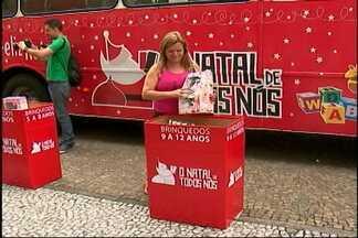 O Natal de Todos Nós tem coleta itinerante de doações em Mogi - Representante de uma empresaa parceira da campanha, Luciana Alves fala sobre o ônibus que arrecada doações em vários pontos de Mogi.
