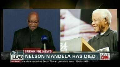 Morre o ex-presidente da África do Sul, Nelson Mandela - O presidente da África do Sul anunciou a morte de Nelson Mandela, símbolo da luta contra a segregação racial. Ele tinha 95 anos.