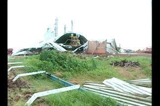 Temporal com ventos de mais de 95 km/h assusta moradores de Cruz Alta, RS - O dia foi de reconstrução.