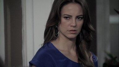 Paloma teme o que pode acontecer com o pai - Aline proíbe que a médica e Lutero visitem César