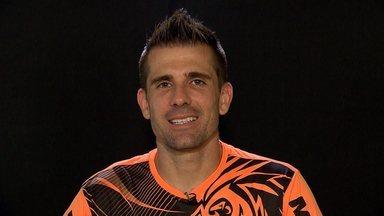 'Minha vida em preto e branco': as histórias de São Victor, herói da Libertadores - Goleiro atleticano foi boatifizado pela torcida do Galo em 2013