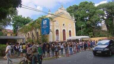 Recadastramento do Bolsa Família forma filas no Recife - Quem não conseguiu ser atendido, ainda pode desbloquear o benefício.