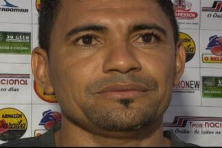 Atacante Beto volta às raízes no Auto Esporte - Jogador de 33 anos vai ser a referência do ataque do Alvirrubro no Campeonato Paraibano de 2014.