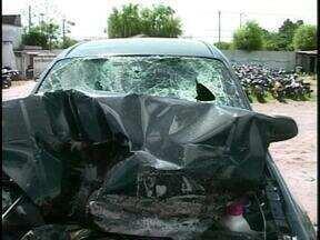 Acidente deixa um morto em Rio Grande, RS - Segundo a Polícia Rodoviária Federal, um carro colidiu na traseira de um caminhão.