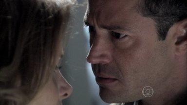 Bruno não acredita em Glauce - A médica afirma que chamou um cardiologista na noite que fez o parto de Luana