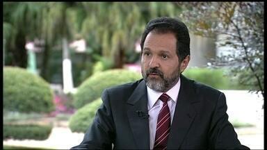Governador do DF diz que empresas tumultuam mudanças no sistema de ônibus. - Em entrevista exclusiva, o governador Agnelo Queiroz acusou de sabotagem dos empresários que perderam licitação quanto às mudanças no sistema de ônibus.