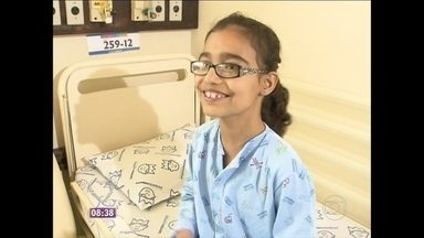 Conheça a história de Daiane, uma adolescente de 14 anos que luta pela vida - Com graves problemas no coração, ela passou apenas dois anos fora do hospital