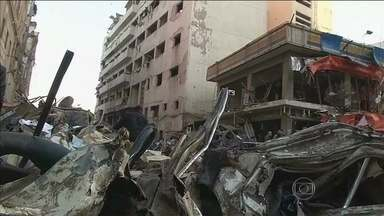 Ataque com carro-bomba deixa 14 mortos e mais de cem feridos no Egito - O carro-bomba explodiu em frente ao quartel-general da polícia. O ataque, numa cidade a 100 km de Cairo, provocou destruição em quase todo o quarteirão. Nenhum grupo assumiu a autoria do atentado.