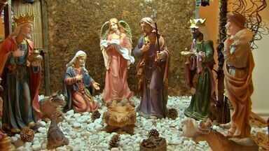 Presépios montados a céu aberto ou nas igrejas atraem adultos e crianças - Presépios montados a céu aberto ou nas igrejas atraem adultos e crianças e são uma forma de manter viva a história de Jesus e mostrar o sentido do Natal.
