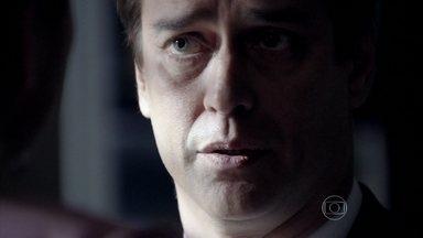 Eron aconselha Nico a tomar cuidado com Félix - Ele pede ao chef para poder visitar Fabrício mais vezes