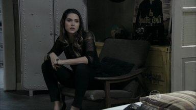Leila afirma a Thales que internará a irmã com o dinheiro da herança de Nicole - Rafael dá um presente para Linda